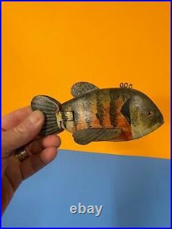 1 Great Folk Art Vintage Fish Carved Painted Wood Fishing Lure Decoy R Brooks