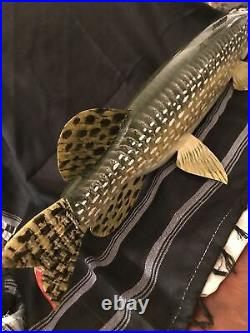Large ice spearing fish decoy sgd Carl Christiansen, teethed, seizing pike 24