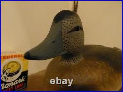 Pair Of Wigeon Decoys By D W Nichol Of Smiths Falls Ont