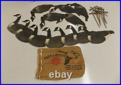 Vtg (12) DUPE-A-DECOY Cardboard Folding Canada Goose Decoys With 8 Stakes & Bag